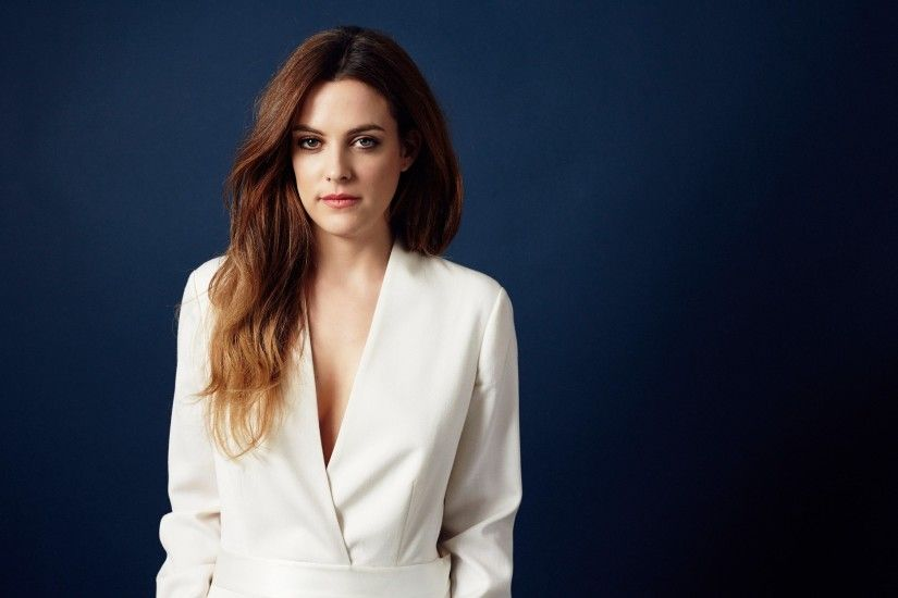 2250x1500 px widescreen wallpaper riley keough by Crawford Turner for -  pocketfullofgrace.com