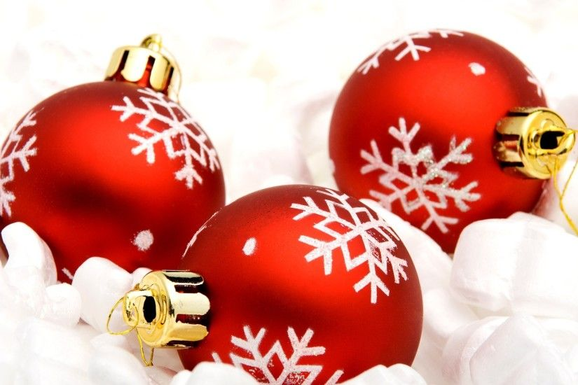 Red Christmas Ornaments Wallpaper 8567