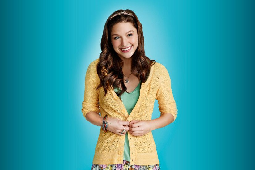 Marley Rose with a yellow sweater - Glee wallpaper