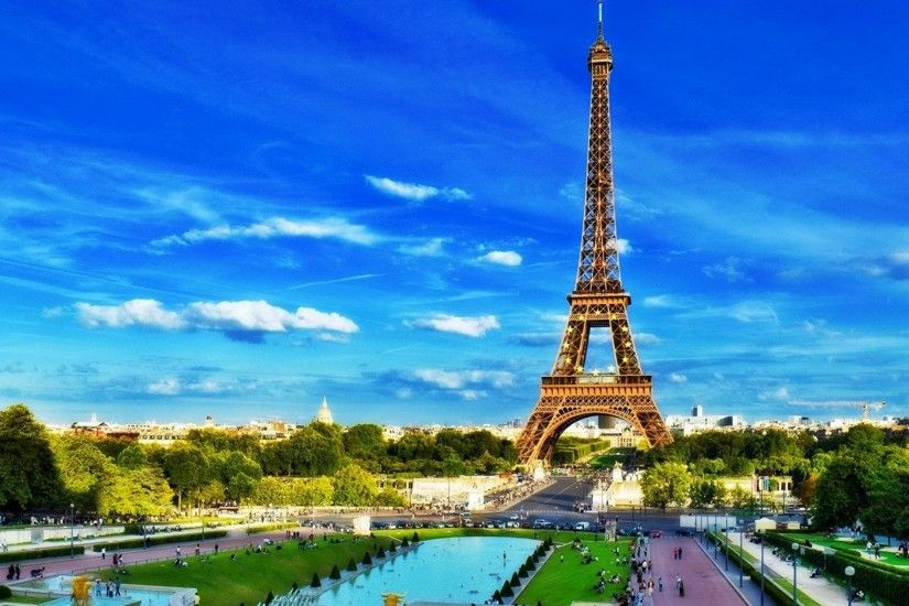 The-Eiffel-Tower-is-an-iron-lattice-tower-