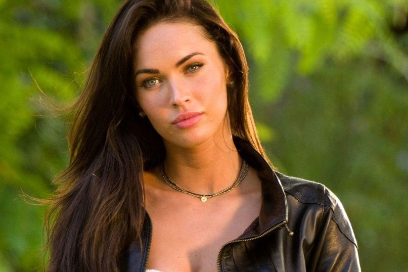 Megan Fox Full HD Background
