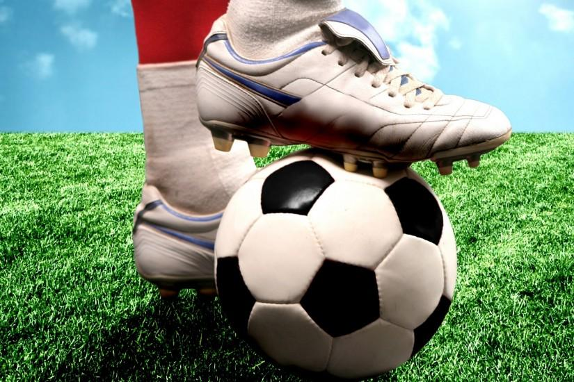 download free soccer wallpaper 2560x1600