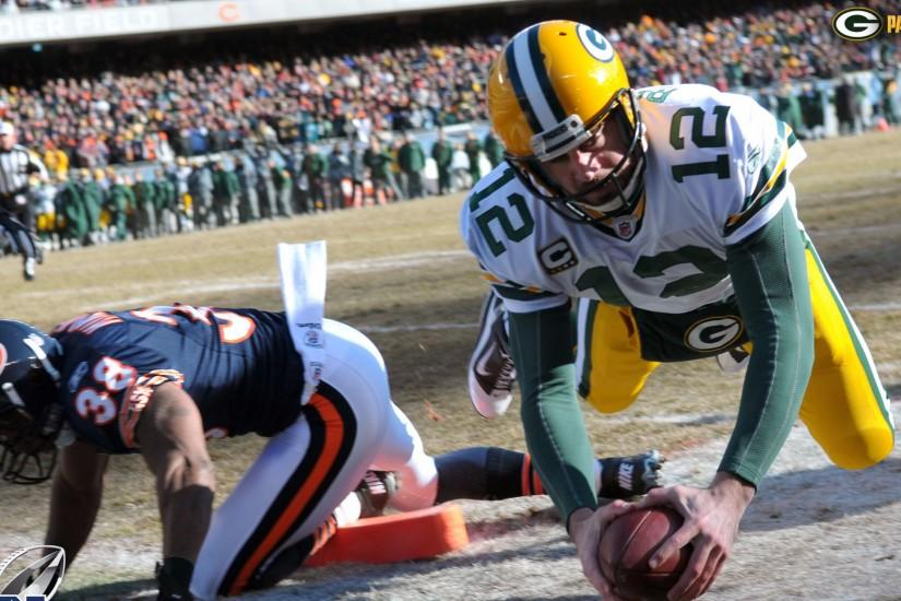 Rushing Touchdown 4K Aaron Rodgers Wallpapers
