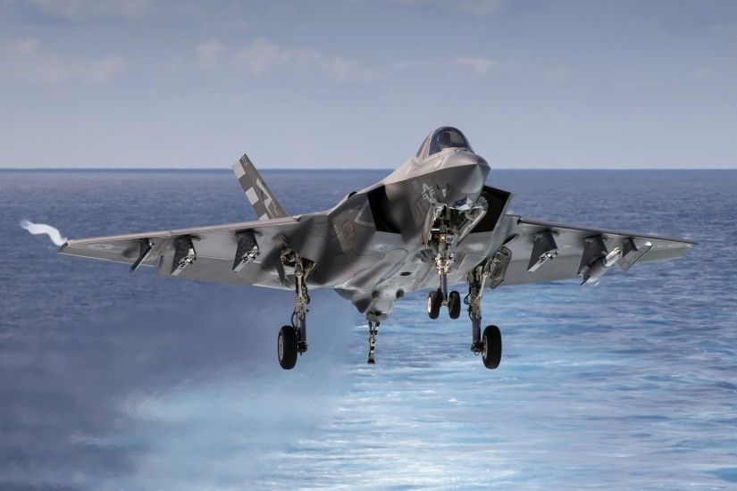 Military / Lockheed Martin F-35 Lightning II Wallpaper