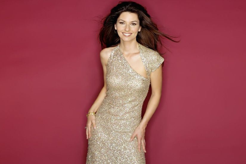 Shania Twain in a sparkly dress wallpaper