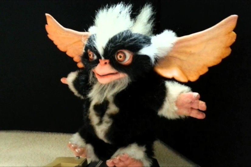 """Movie prop Original Mohawk Gremlin from Gremlins 2 - YouTube"