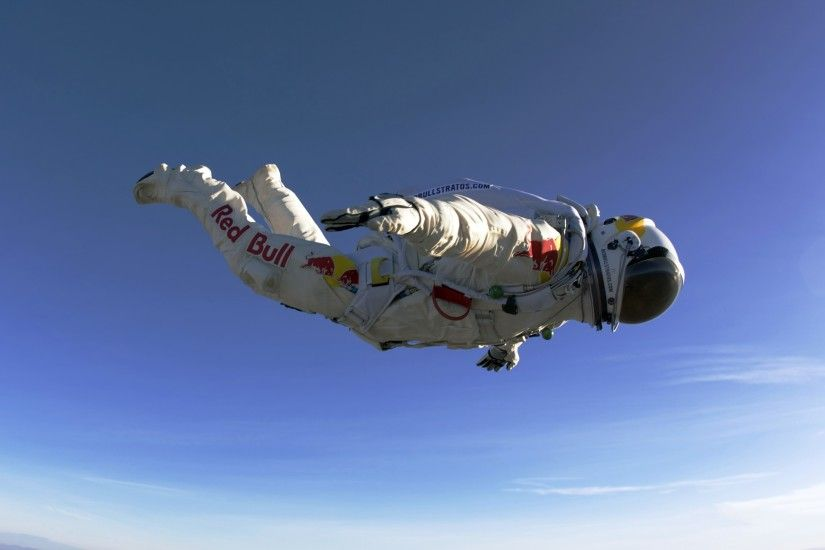 3840x2160 Wallpaper paratrooper, red bull, jumping, flying, suit