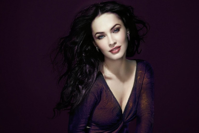 Megan Fox black background Desktop wallpaper