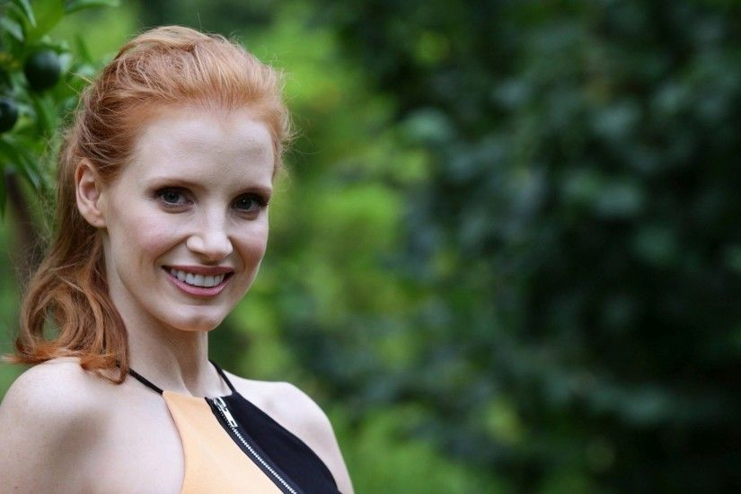 jessica chastain smile wallpaper 7209