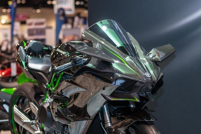 Up-Close with the Kawasaki Ninja H2R ...