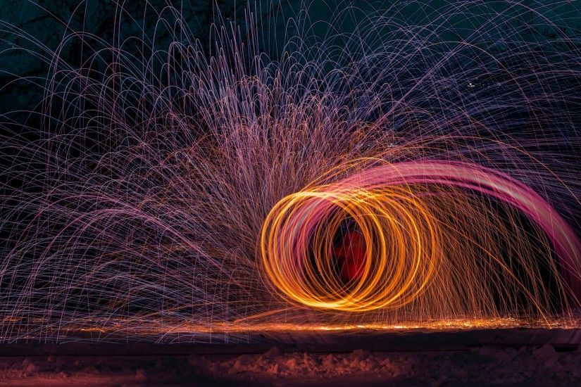 4K HD Wallpaper: Light Circles from Long Exposure Photography