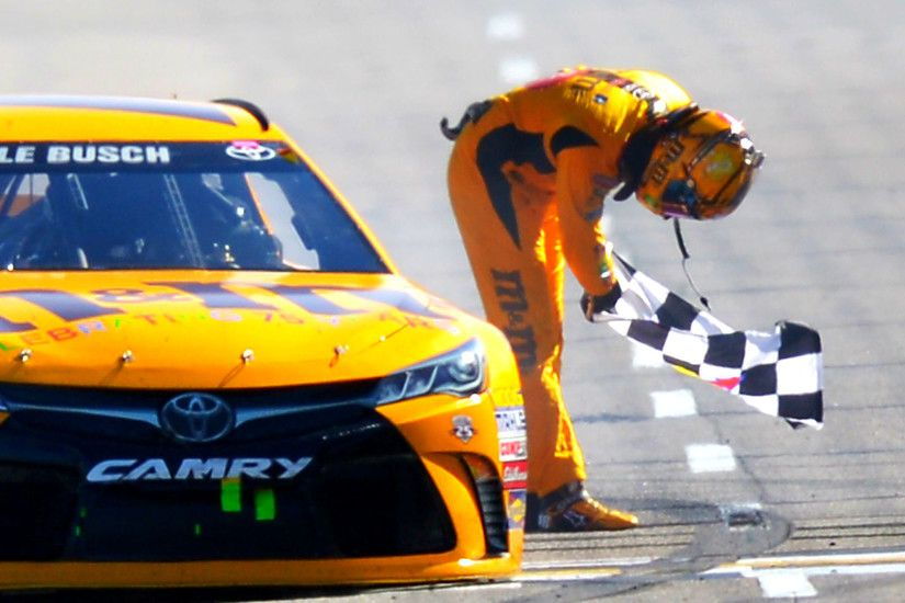 NASCAR results at Martinsville: Kyle Busch sweeps weekend with STP 500 win  | NASCAR | Sporting News
