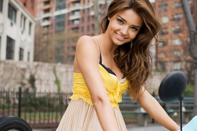 Miranda Kerr Smile Girl HD Wallpaper | Girls wallpaper factory | Pinterest  | Miranda kerr and Hd wallpaper