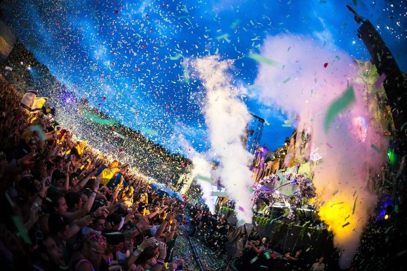 Party today 'til you drop at TomorrowLand Festival! Sign up at Festigo.co