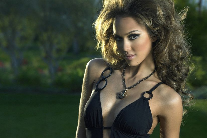 The Sexiest Jessica Alba Pictures Ever - Sexy Photos - YouTube ...