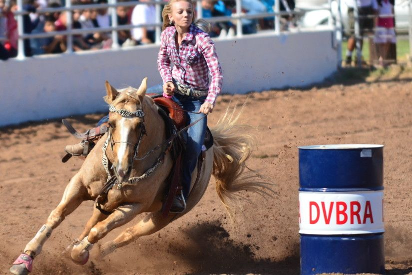 Barrel Racing Wallpaper