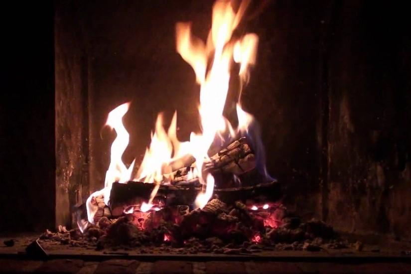 Romantic Christmas Fireplace - Perfect Burning & Crackling Logs (Full HD  1080p with sound) - YouTube