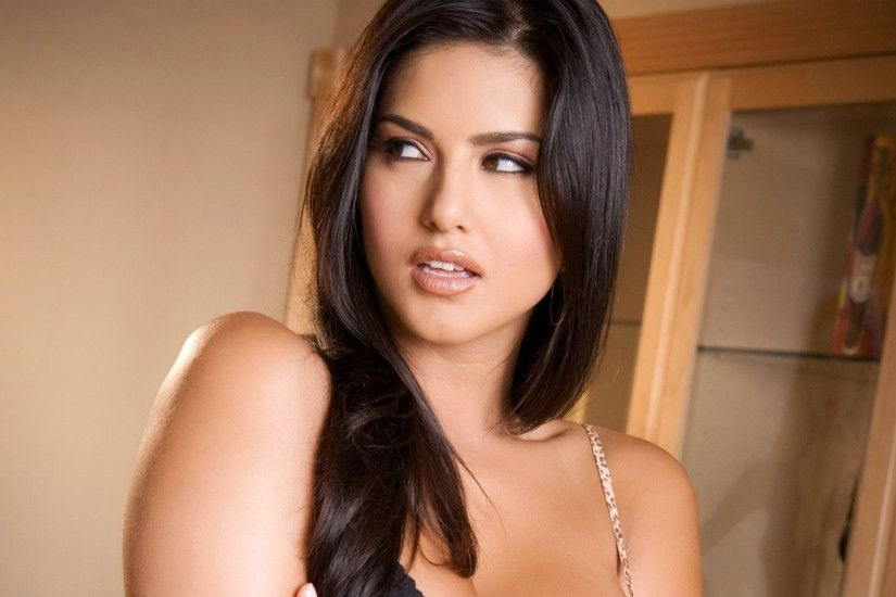 Beautiful Actress sunny leone hd wallpapers