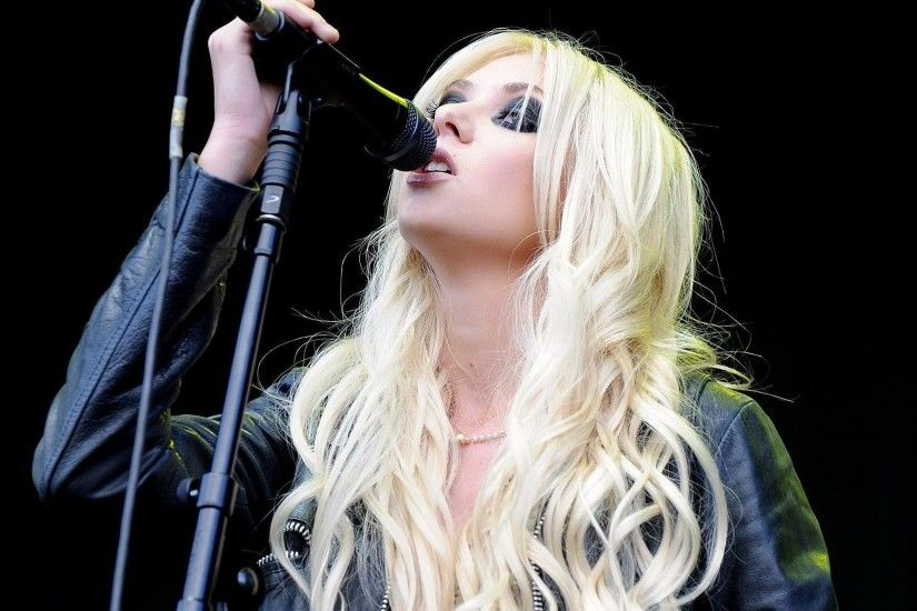 Taylor Momsen PhotosHd Wallpapers