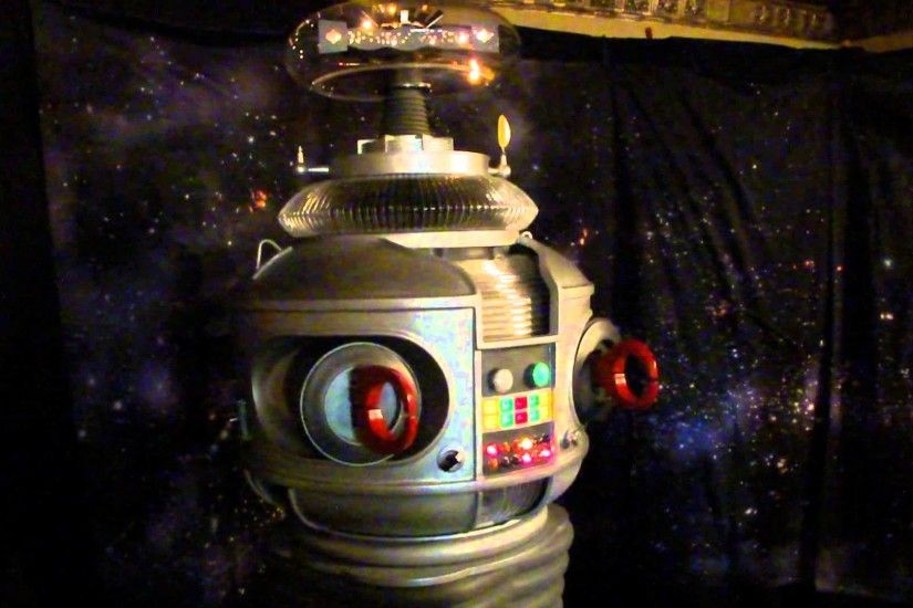 "Denver Starfest 2013 - Robot - From the TV show ""Lost in Space"" - YouTube"
