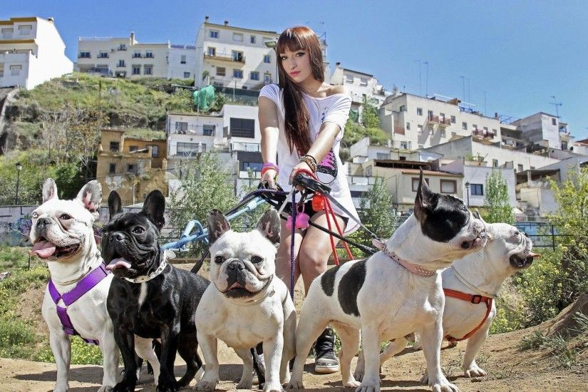 Girl-with-many-Pitbull-dogs-wallpaper