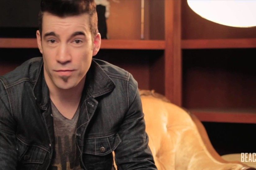 Tyler Connolly of Theory of a Deadman | Beacon Moment episode 35 - YouTube
