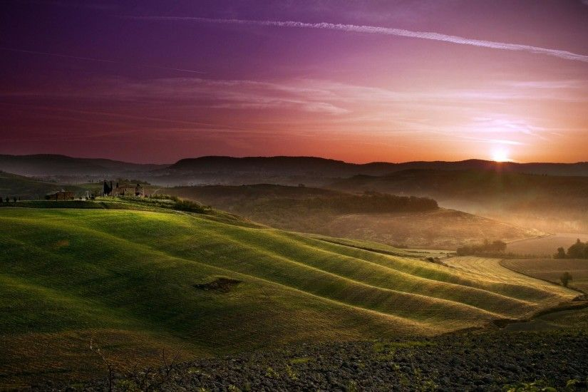 Tuscan Grassland Wallpaper ...