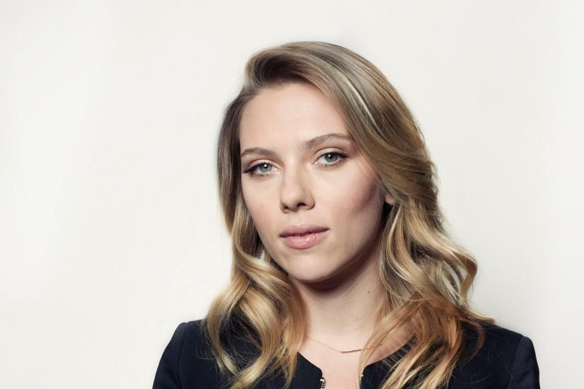 Preview wallpaper scarlett johansson, actress, face, smile, blonde 3840x2160