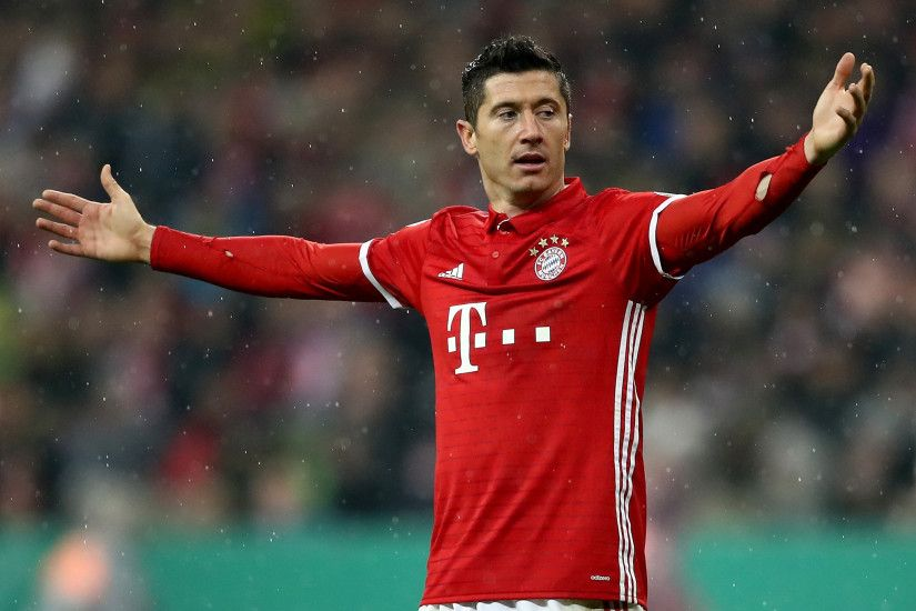 Robert Lewandowski angry at Bayern Munich teammates for not helping him win  Germany's top goal-scorer award | The Independent