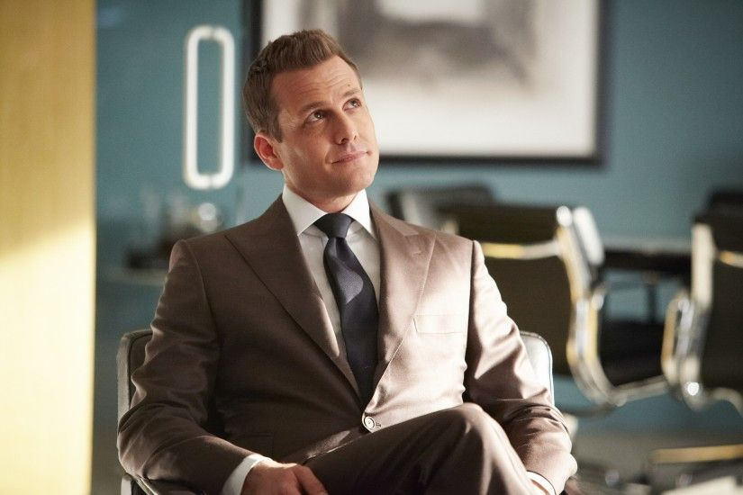 Gabriel Macht Plays Harvey Specter ...