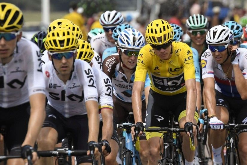 Chris Froome praises his Team Sky teammates for keeping his Tour de France  challenge alive during an eventful stage 15.