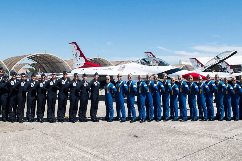 ... US Air Force Thunderbirds and US Navy Blue Angels
