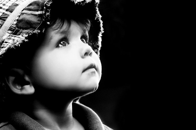 Photography - Child Cute Black & White Wallpaper