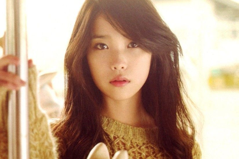 view image. Found on: iu-wallpaper