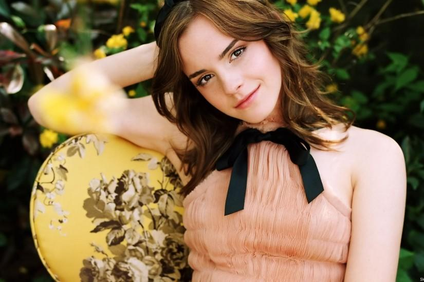 popular emma watson wallpaper 1920x1200