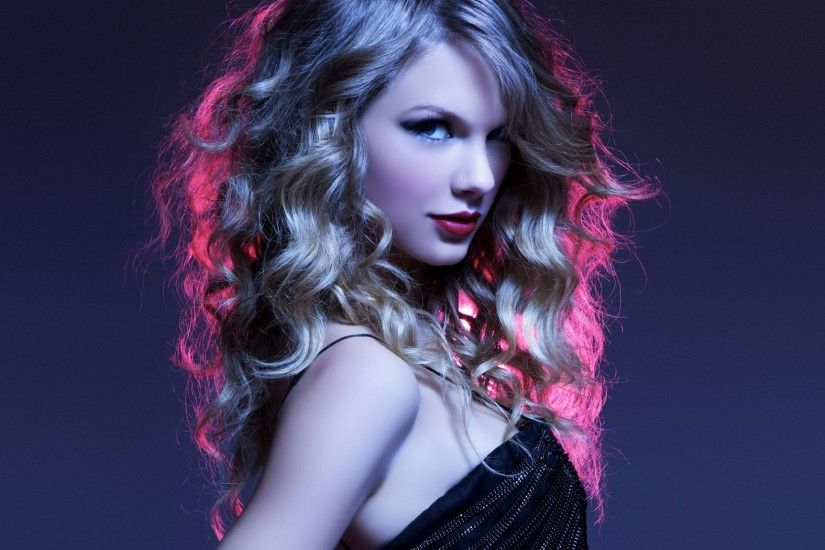 Beautiful singer Taylor Swift hd wallpaper images.