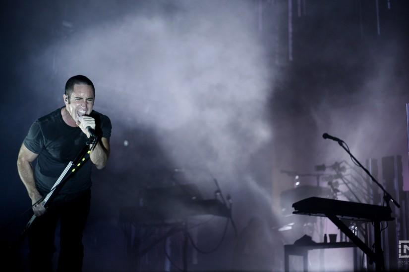 Preview wallpaper nine inch nails, concert, singing, smoke, scene 1920x1080