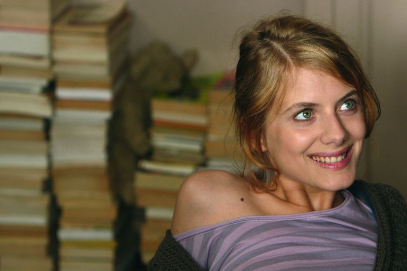 melanie laurent smile widescreen wallpaper 53768