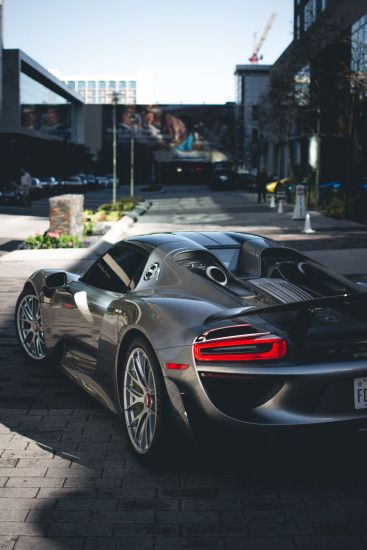 porsche 918 grey sportcar shadow
