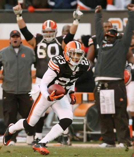 Eric Mangini defends decision to wait so long to start Joe Haden .