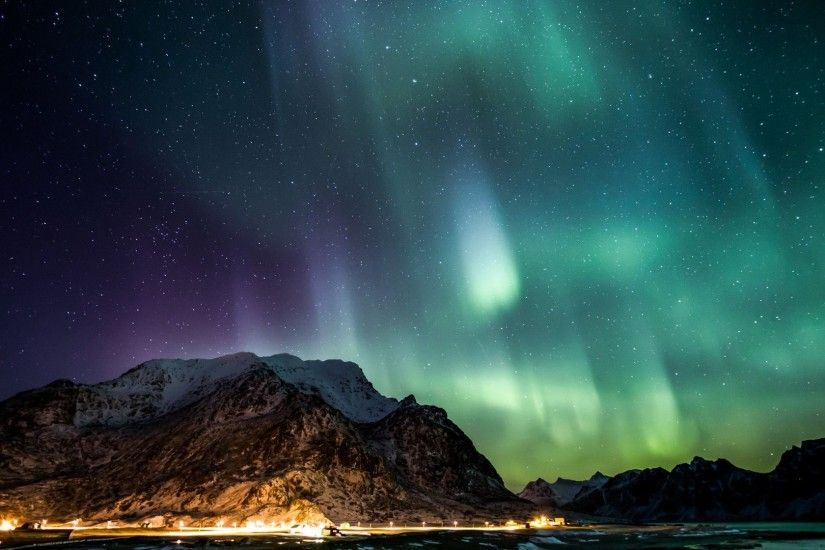 Northern Lights over Lofoten island, Norway wallpaper