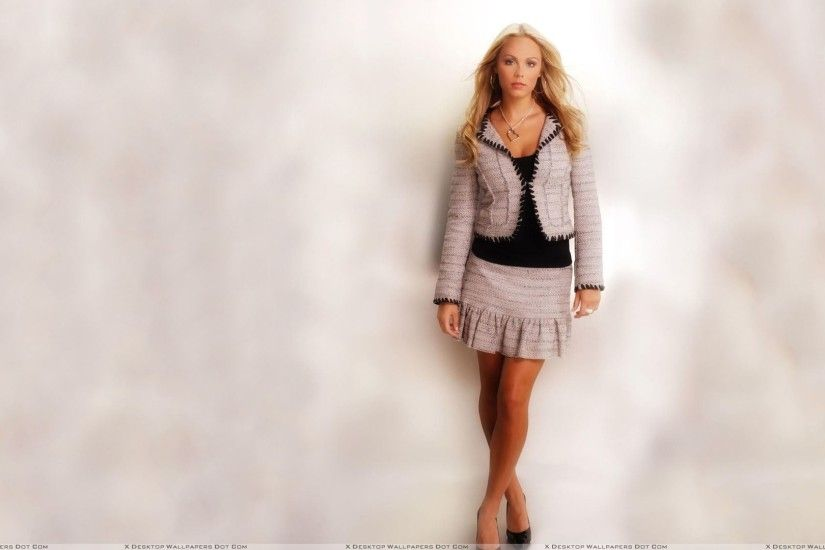 "You are viewing wallpaper titled ""Laura Vandervoort ..."