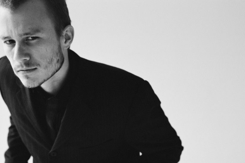 1920x1080 Wallpaper heath ledger, blonde, tuxedo, humor, black white