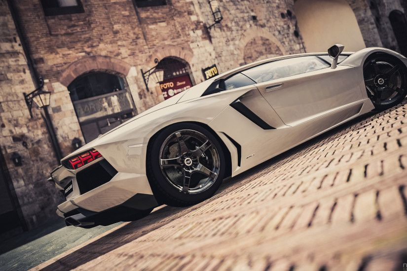 White Lamborghini wallpapers HD for desktop