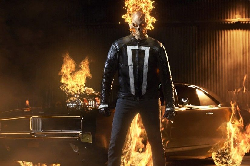 TV Series - Agents of Shield: Ghost Rider near the car