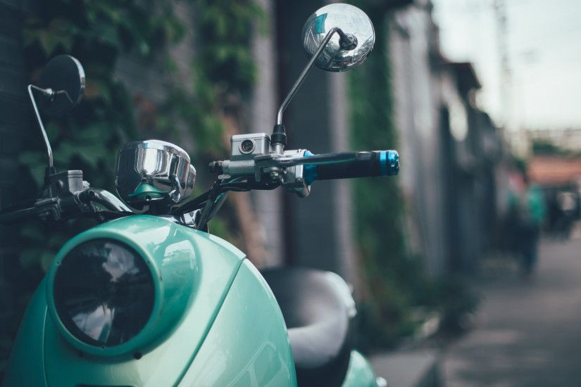 3840x2160 Wallpaper scooter, moped, vespa, retro, mint