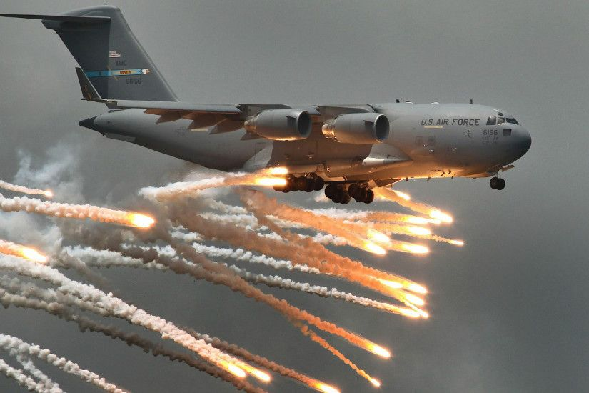 Aircraft Aviation C-17 Globemaster Flares United States Air Force