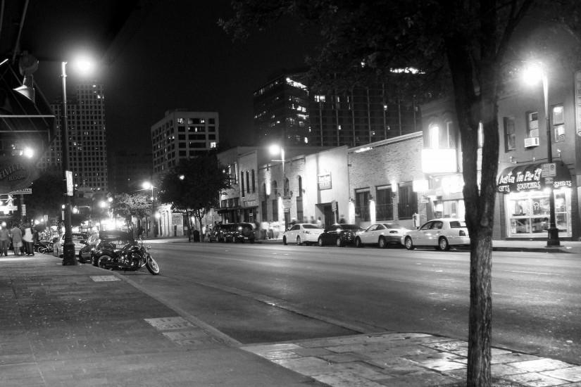 Streets night buildings bikes grayscale monochrome cities wallpaper |  1920x1200 | 12048 | WallpaperUP