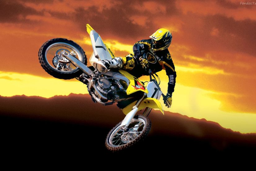 Free Desktop Dirt Bike Wallpapers | PixelsTalk.Net
