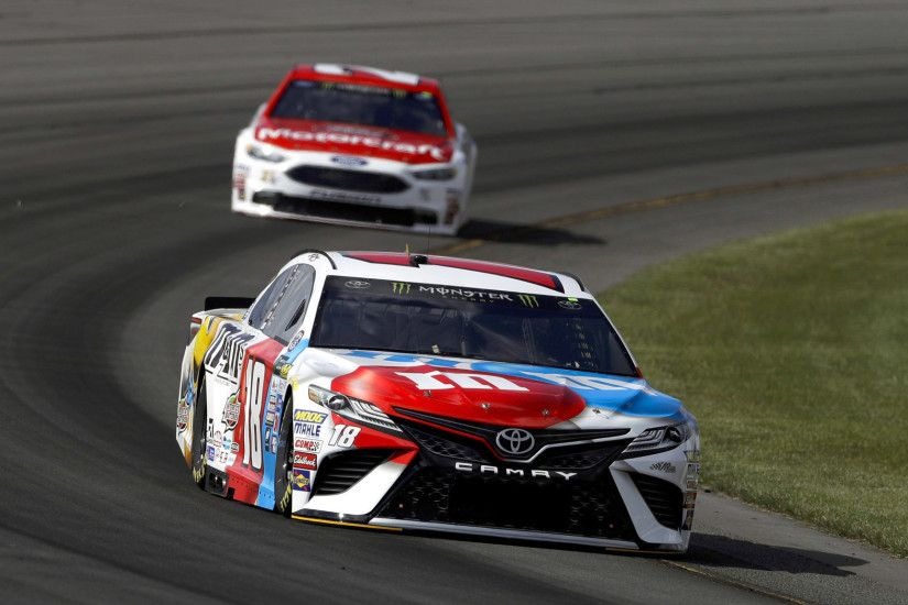 Kyle Busch earns his second consecutive NASCAR Cup pole with fastest lap at  Pocono - LA Times